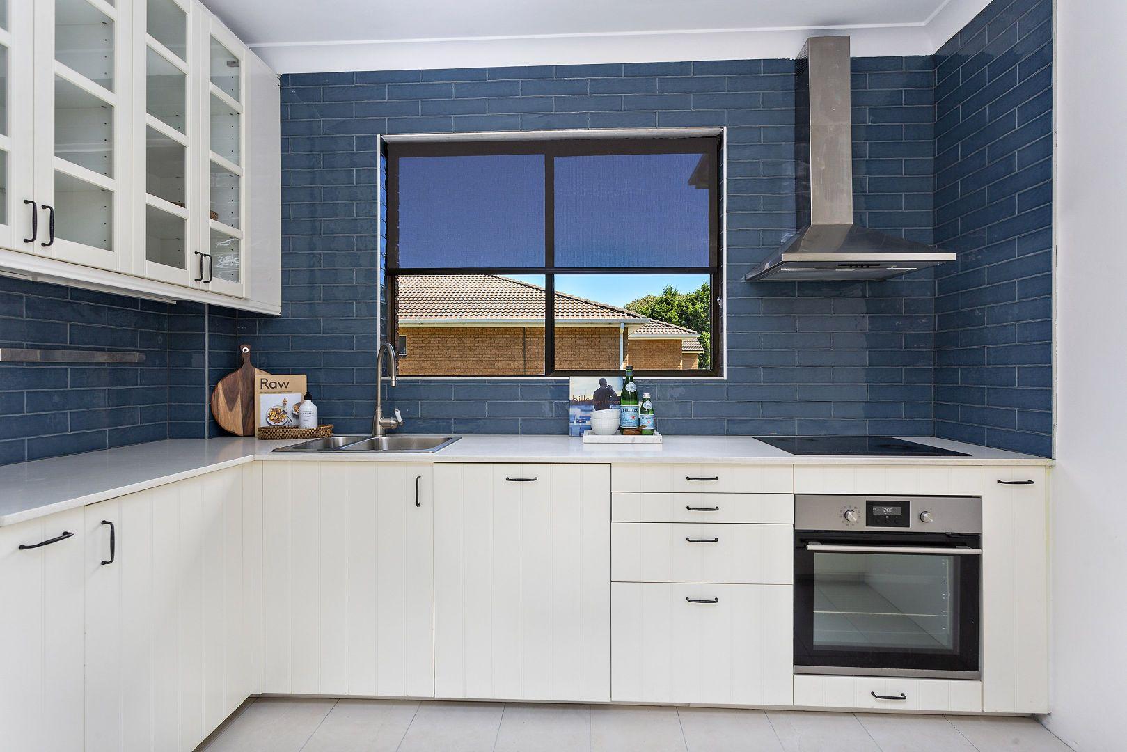 2/11 Murranar Road, Towradgi NSW 2518