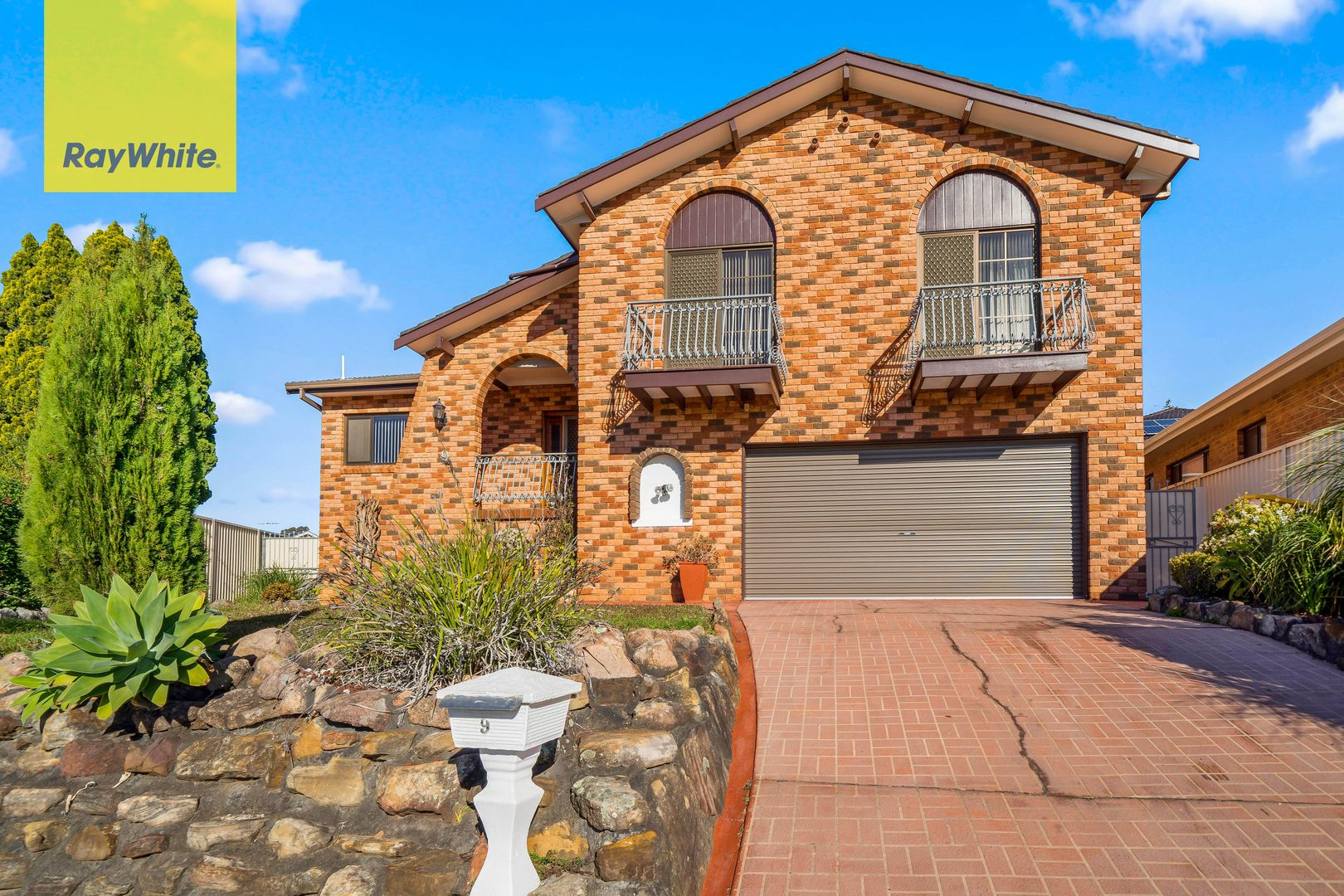 9 Leonello Place, Edensor Park NSW 2176, Image 0