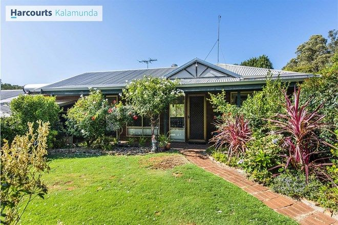 Picture of 101 Lawnbrook Road East, BICKLEY WA 6076