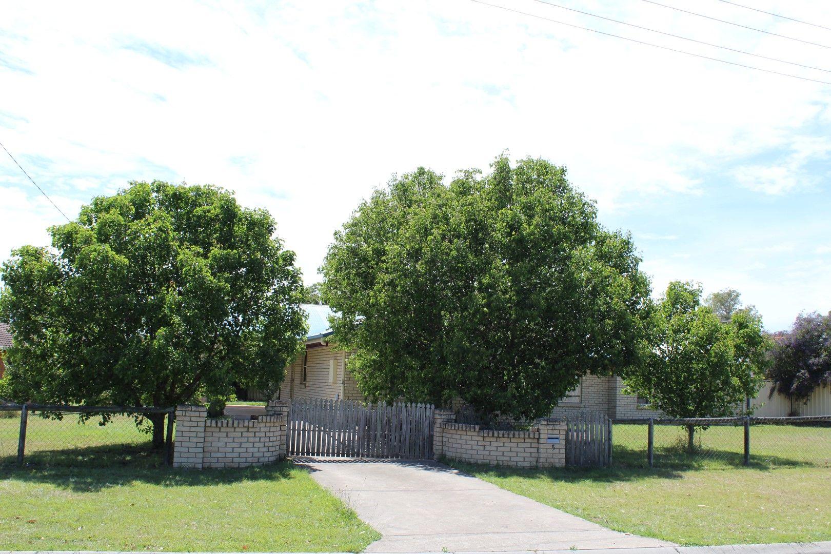5 Lee Court, Nanango QLD 4615, Image 2