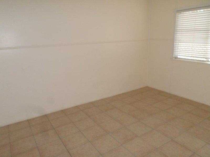 2/59 Edith Street, Miles QLD 4415, Image 2