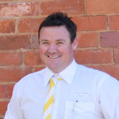 Luke Ryan, Sales representative
