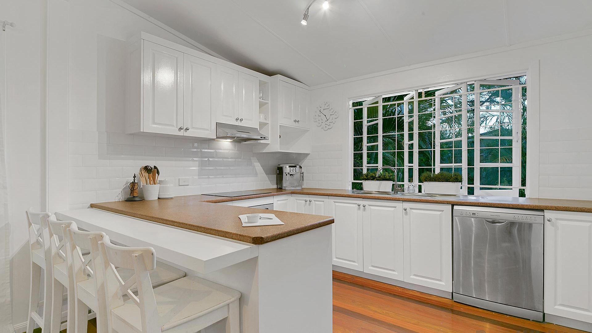 5 Hamel Road, Holland Park West QLD 4121, Image 2