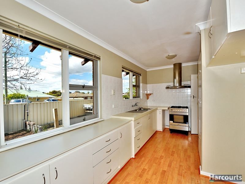 9 Leigh Street, Dudley Park WA 6210, Image 1