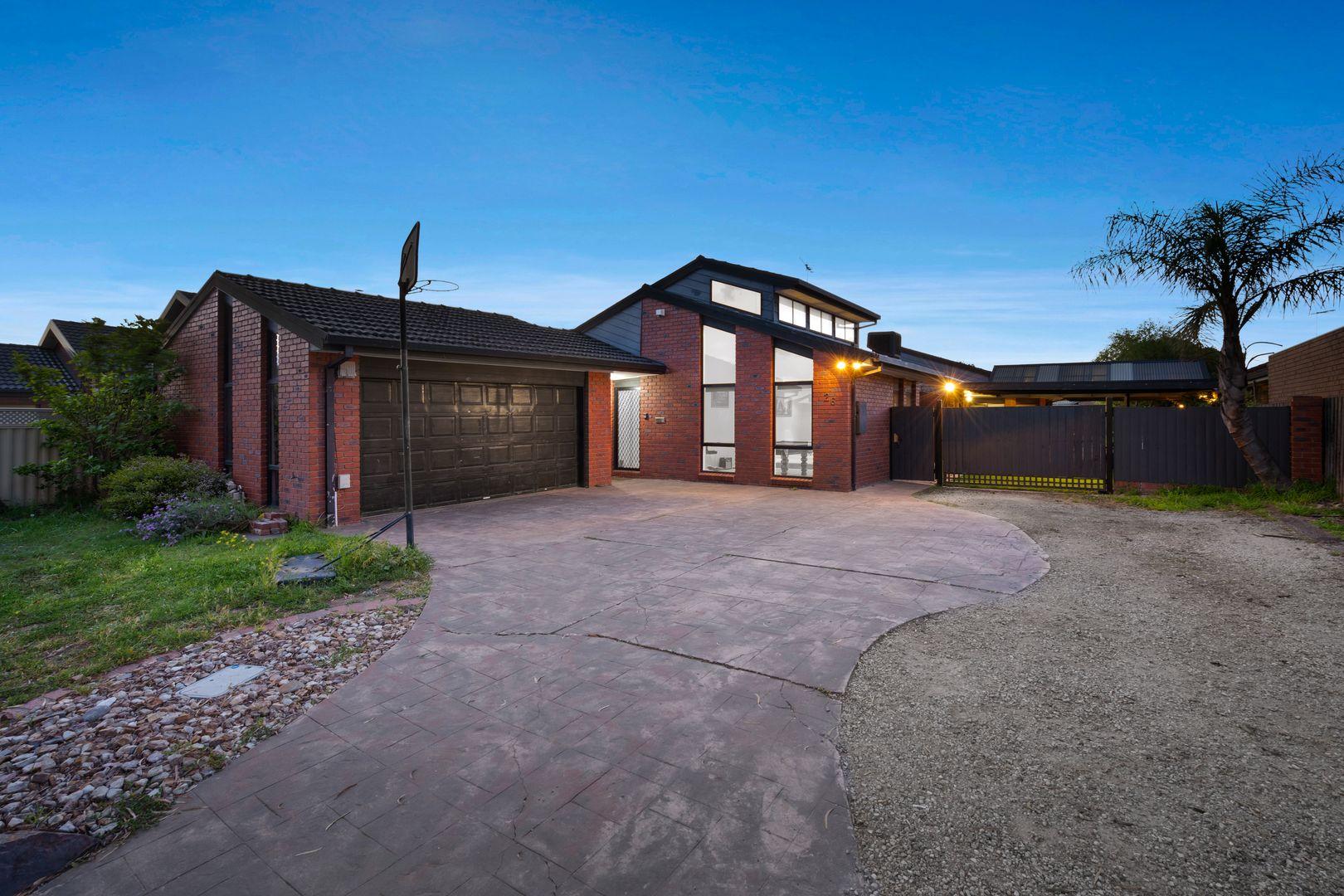 26 Romeo Court, Mill Park VIC 3082, Image 2