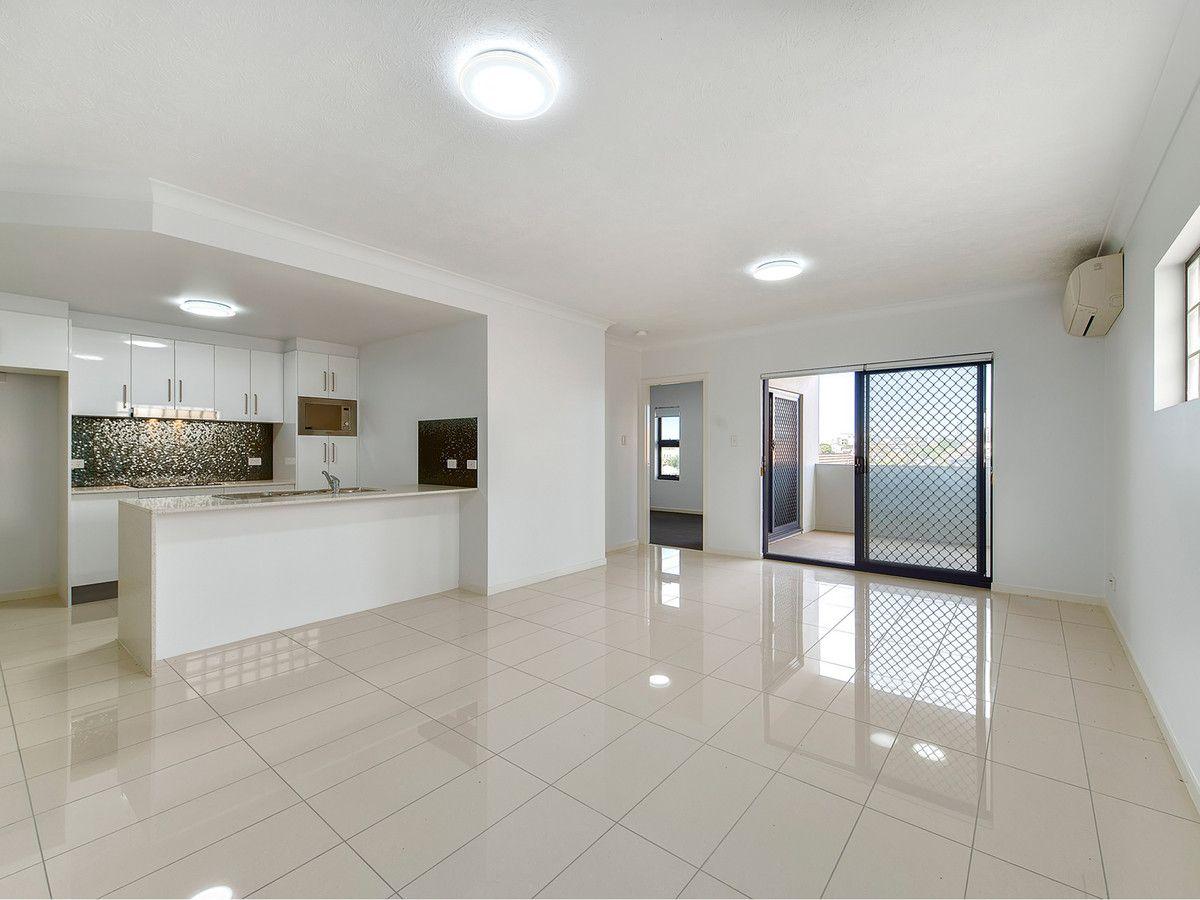 2/17 Norman Street, Wooloowin QLD 4030, Image 1