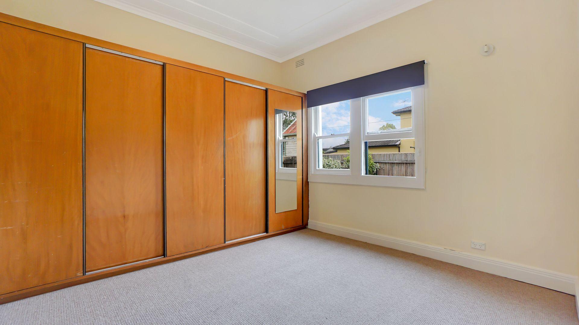 10 Lyminge Street, Croydon Park NSW 2133, Image 1