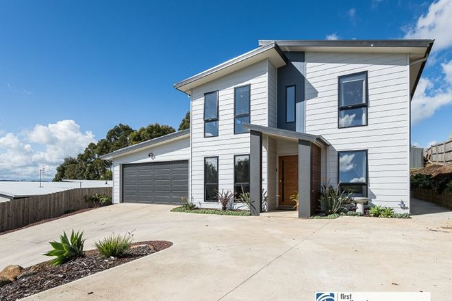 Picture of 30 Royal Place, LEONGATHA VIC 3953