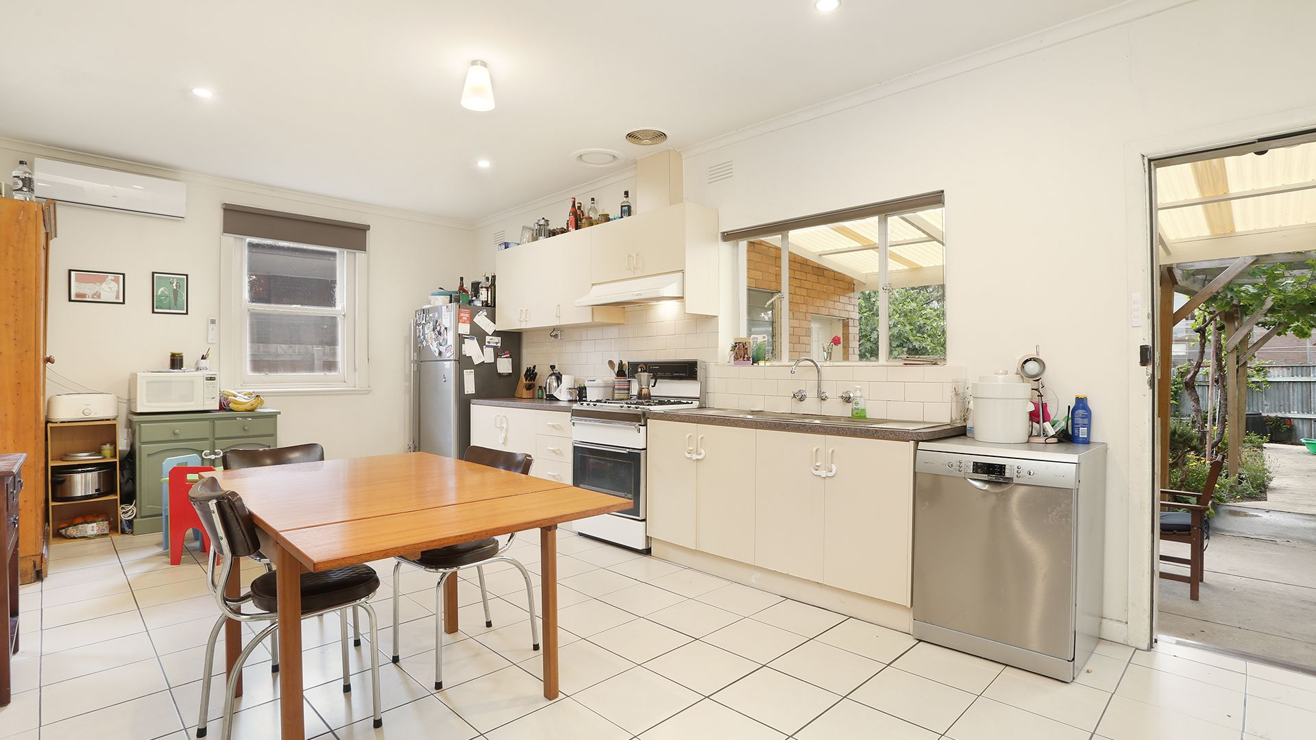 299 Moreland  Road, Coburg VIC 3058, Image 2