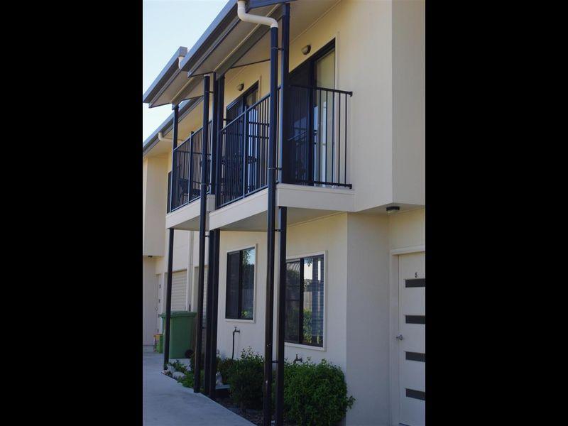 5/34 Poole Street, Bowen QLD 4805, Image 0