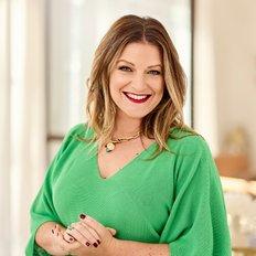 Lucie Trinco, Sales representative