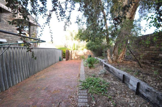 4/2 Waroonga Road, Nedlands WA 6009, Image 1