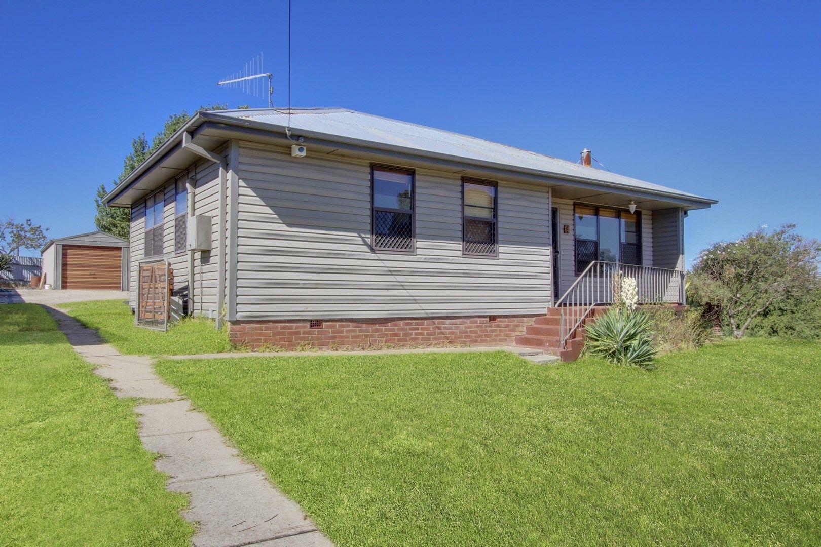 5 Davies Crescent, Goulburn NSW 2580, Image 0