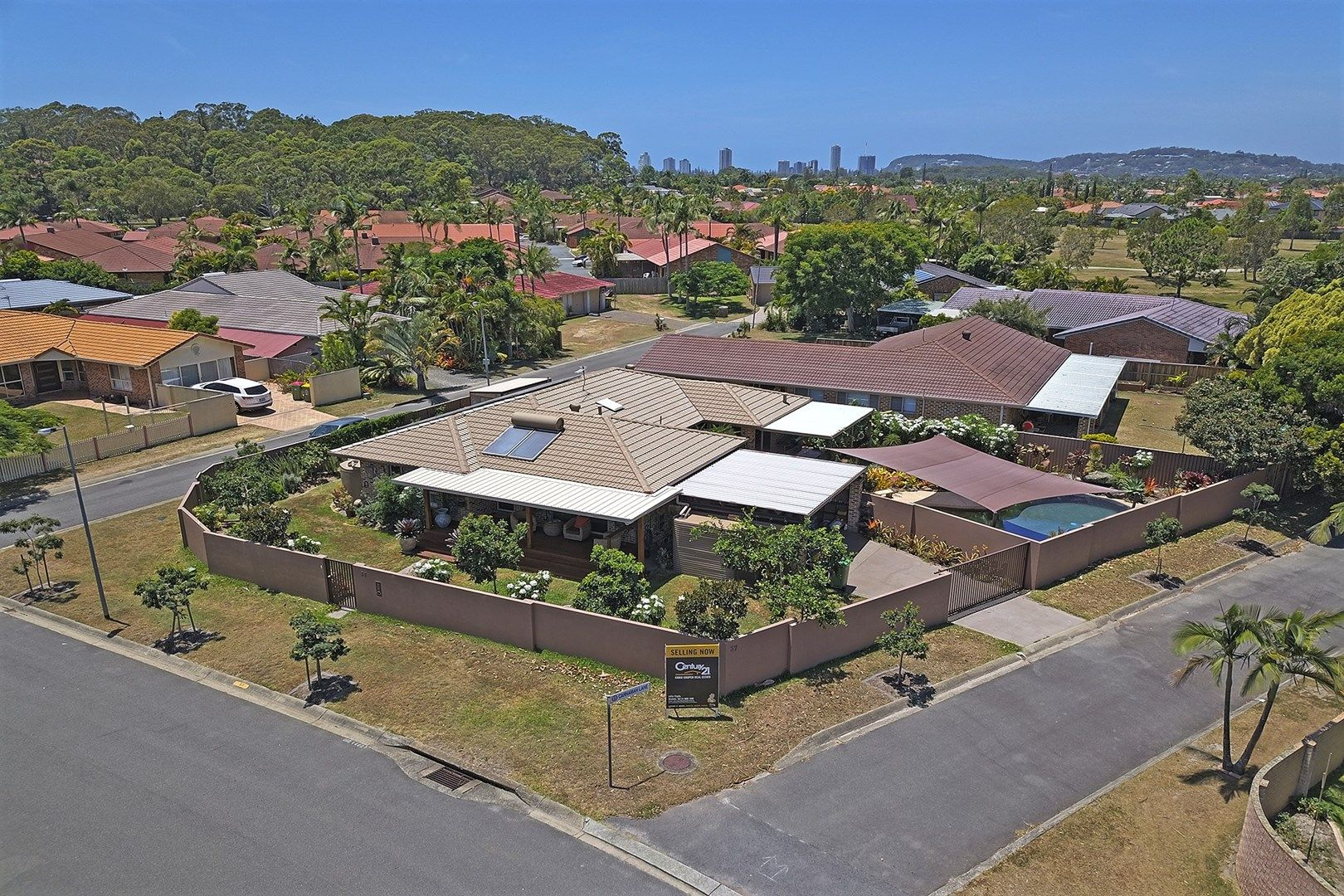 37 Beaconsfield Drive, Burleigh Waters QLD 4220, Image 0