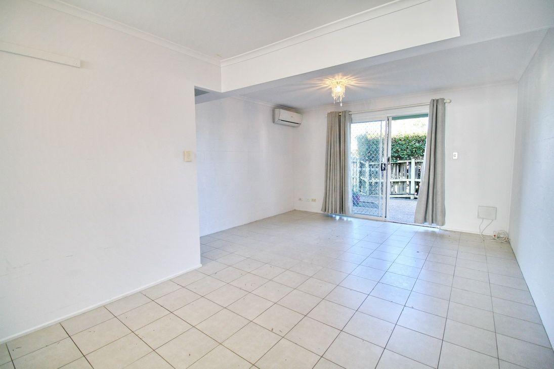 2/32 Lindsay Street, Bundamba QLD 4304, Image 2
