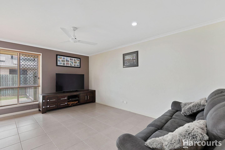 25 Gumtree Drive, Urraween QLD 4655, Image 2