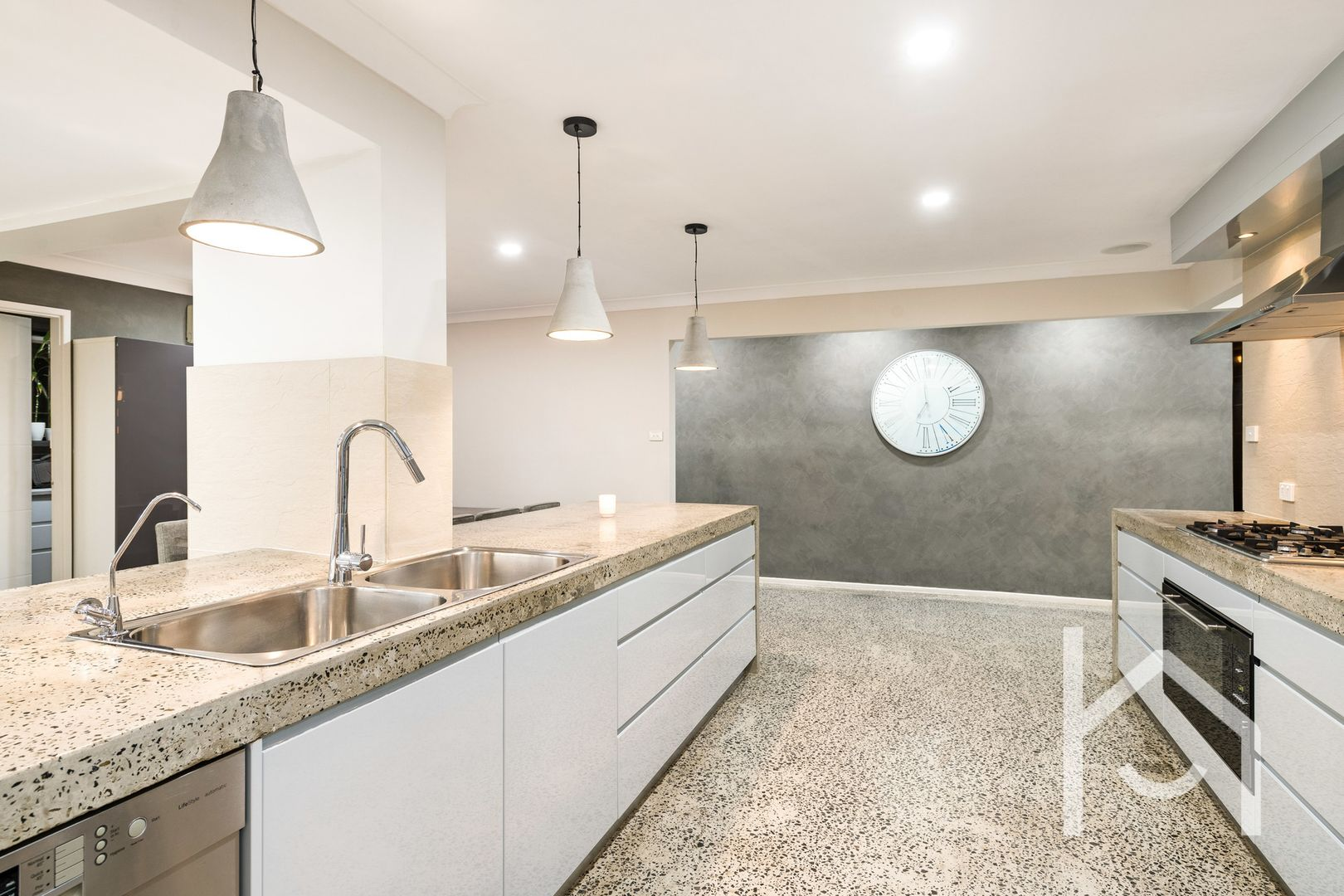 12 Kearns Avenue, Kearns NSW 2558, Image 2