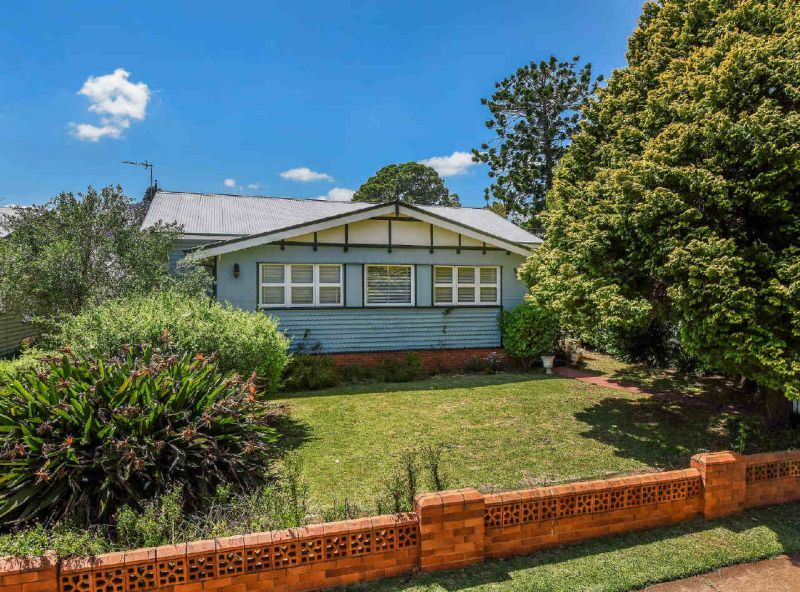 84 Mackenzie Street, Mount Lofty QLD 4350, Image 0