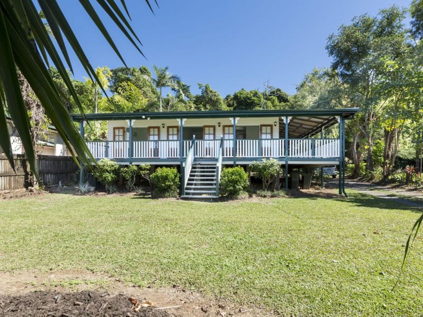 17 ENID Street, Flying Fish Point QLD 4860, Image 0