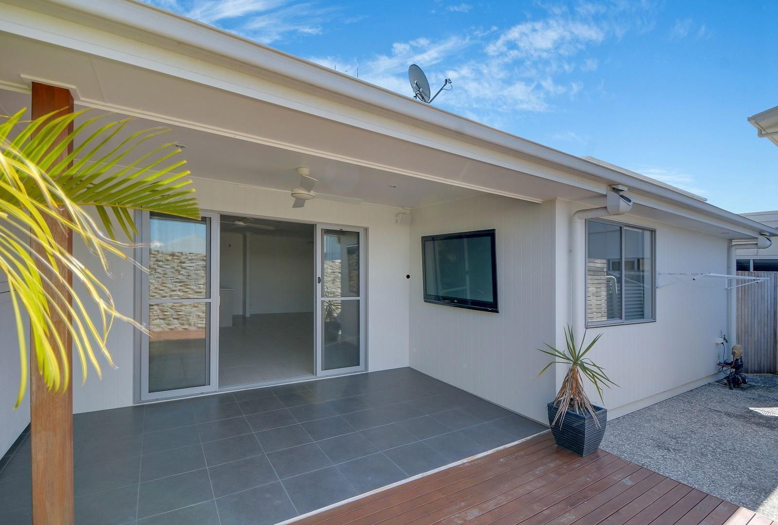 31 Bells Reach Drive, Caloundra West QLD 4551, Image 2
