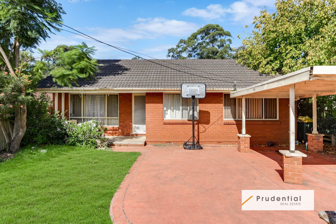 28B Myee Road, Macquarie Fields NSW 2564, Image 0