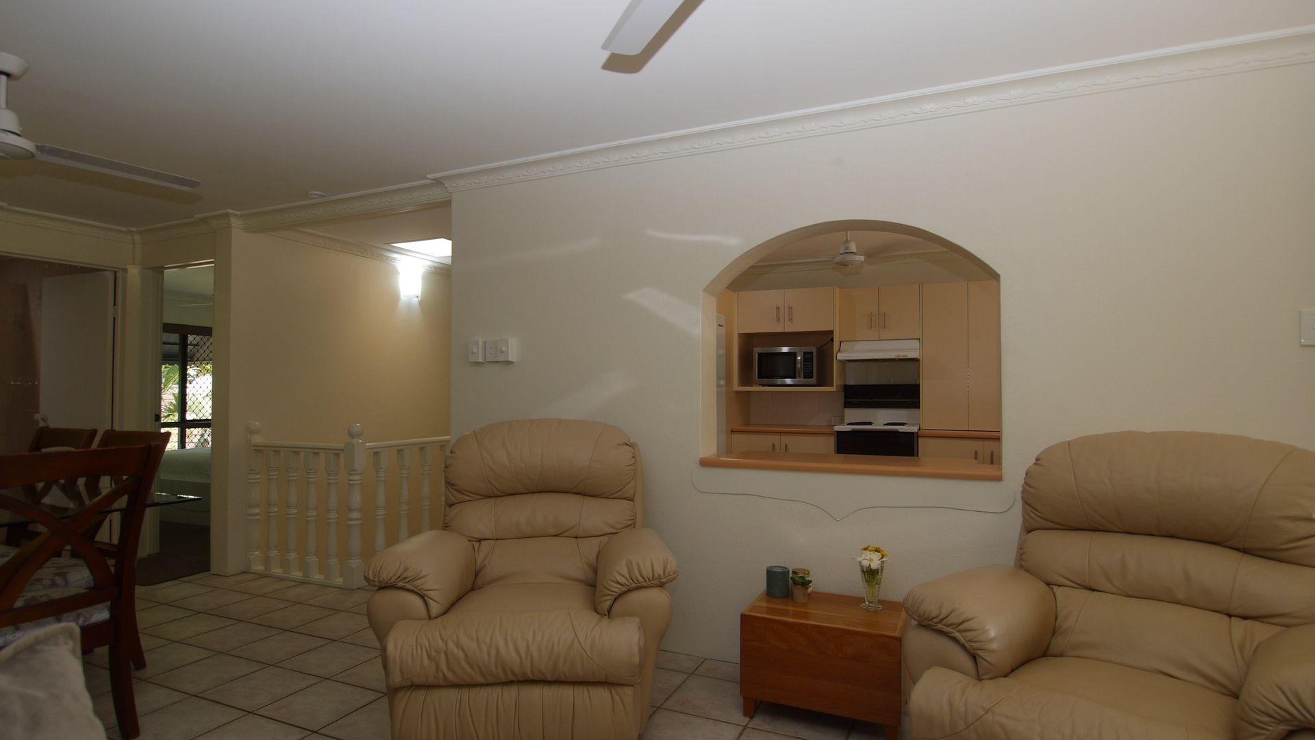 4/118 Cook Street, North Ward QLD 4810, Image 2