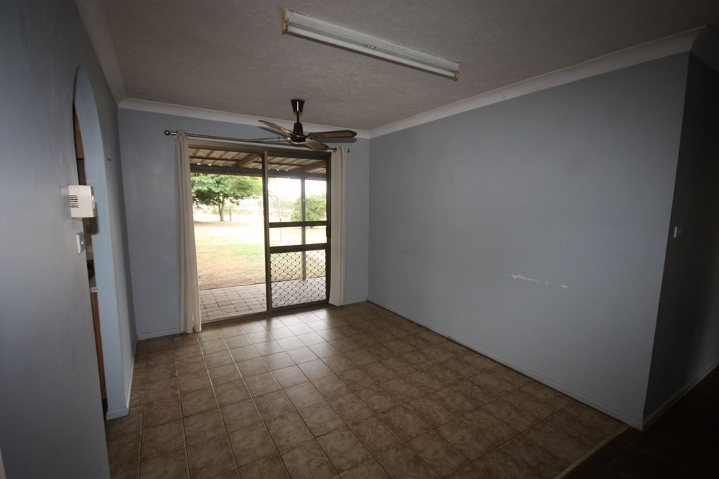 92 Crowsdale-Camboon Road, Prospect QLD 4715, Image 2