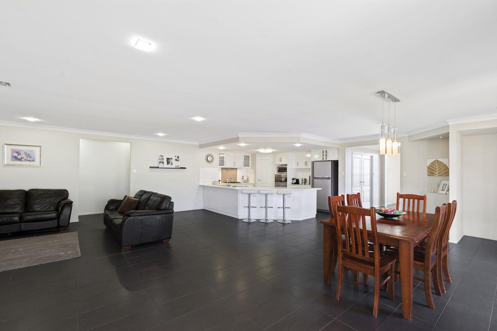 12 Hendra Court, Kleinton QLD 4352, Image 2