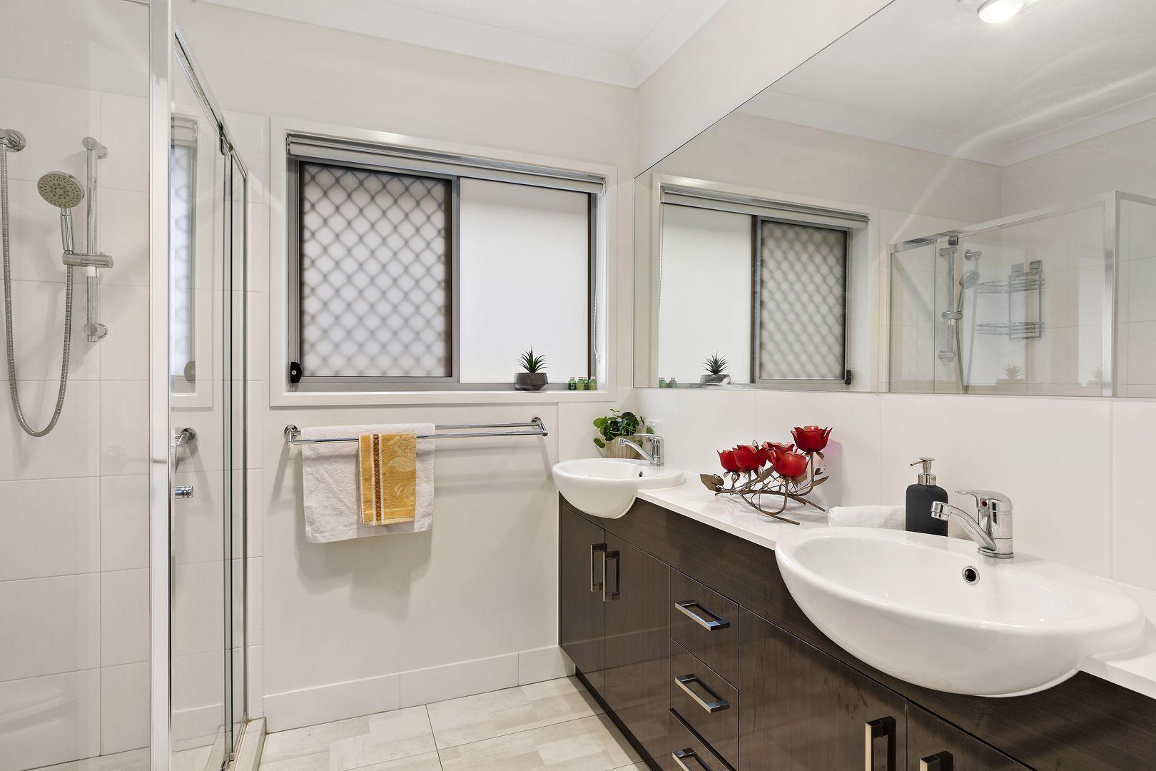 28 Mount Roberts  Street, Park Ridge QLD 4125, Image 1