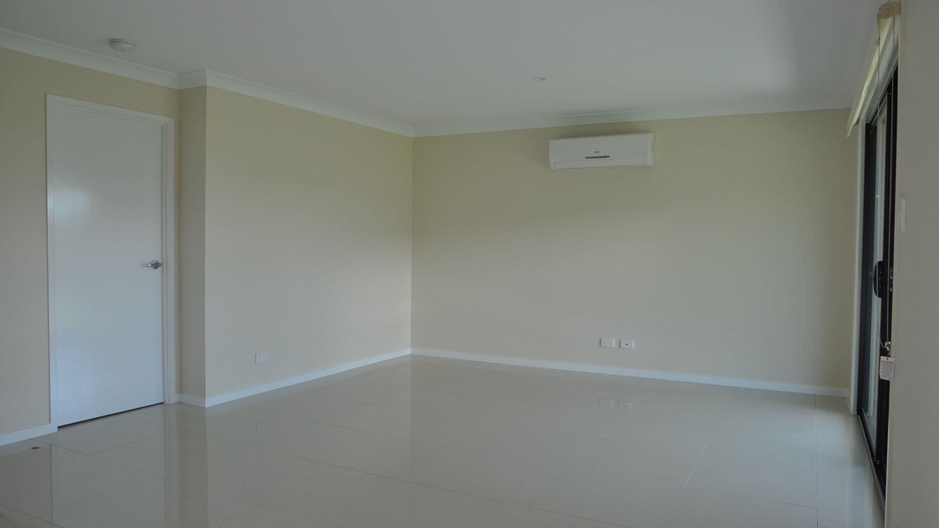 6 Arwon Street, Wyreema QLD 4352, Image 2