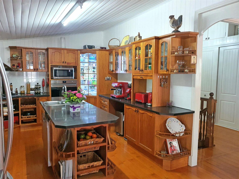 229 Lanita Road, Ferny Hills QLD 4055, Image 2