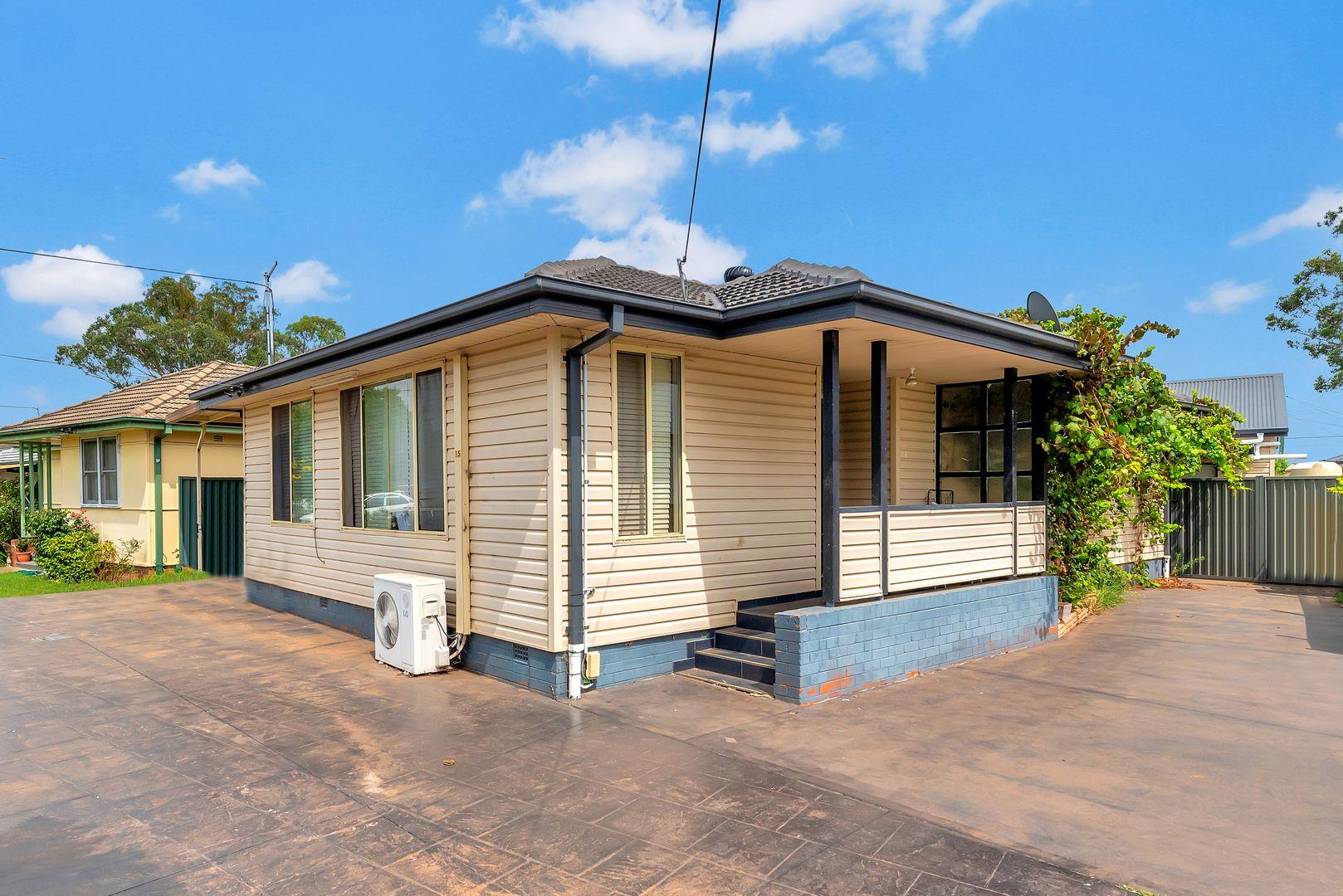 15 Tumbarumba Crescent, Heckenberg NSW 2168, Image 0