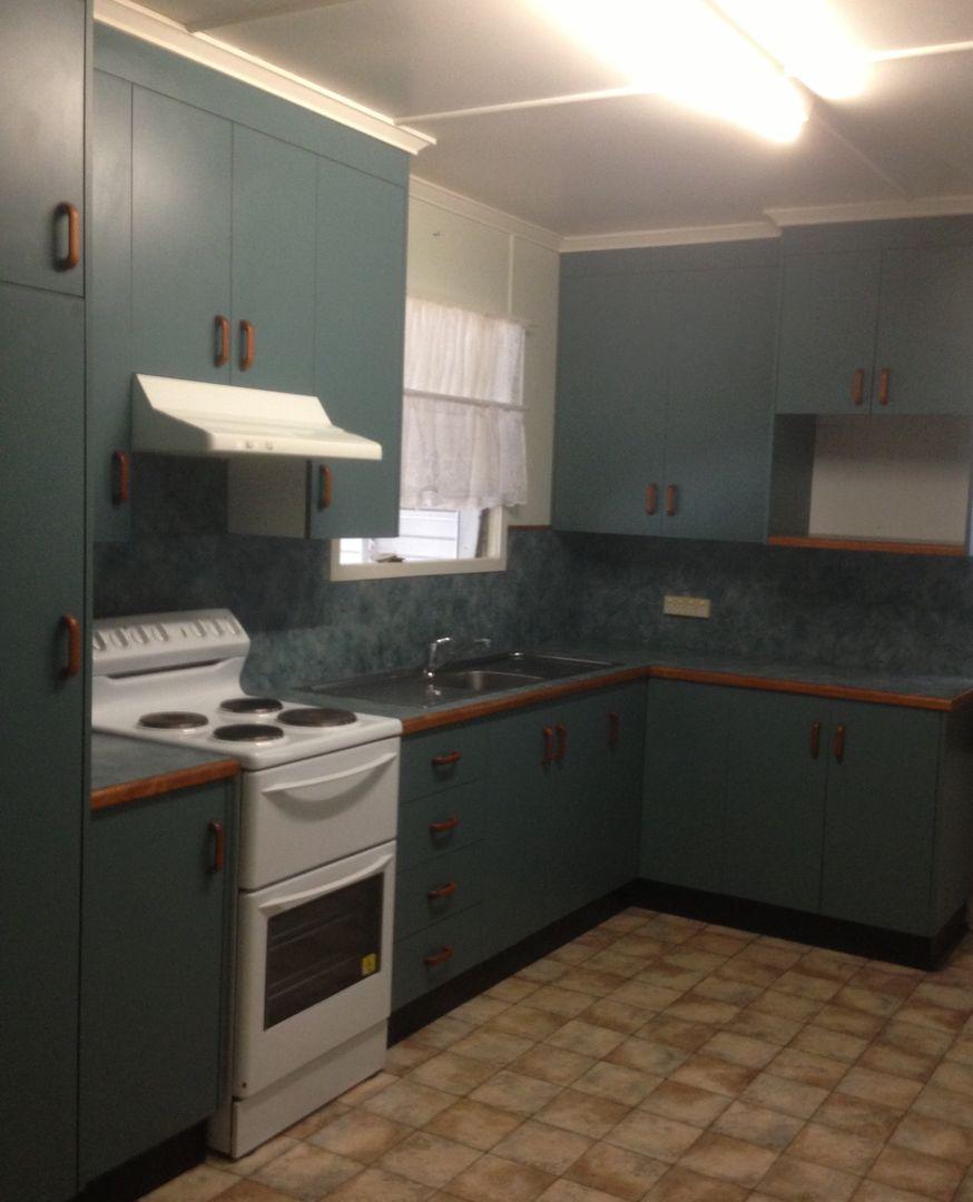 14 Arnold St, Blackwater QLD 4717, Image 0