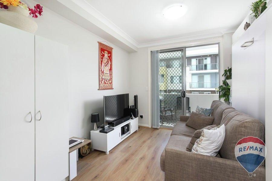 Unit 109/8B Myrtle Street, Prospect NSW 2148, Image 2
