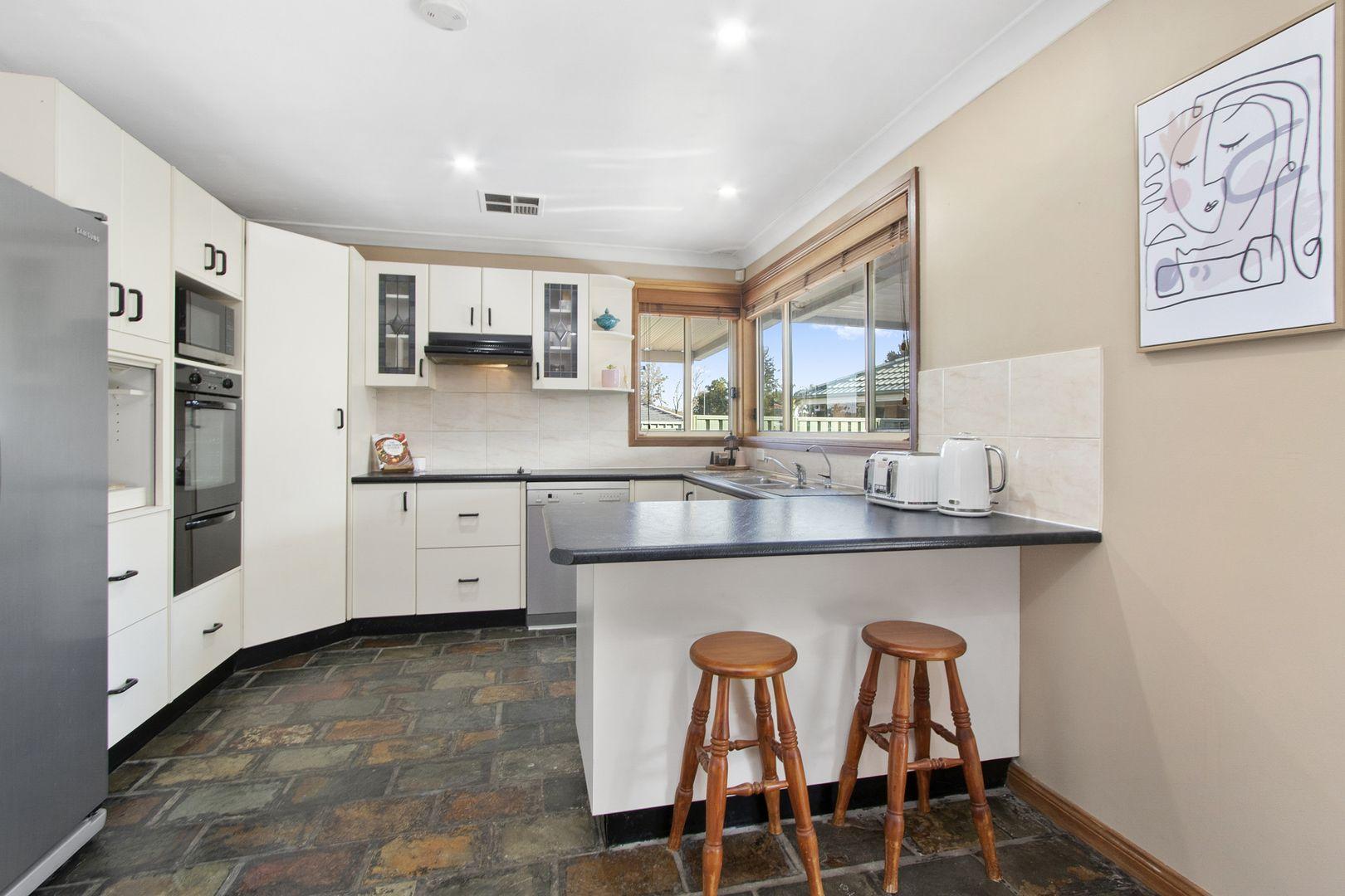 11 Fawkener Place, Werrington County NSW 2747, Image 2