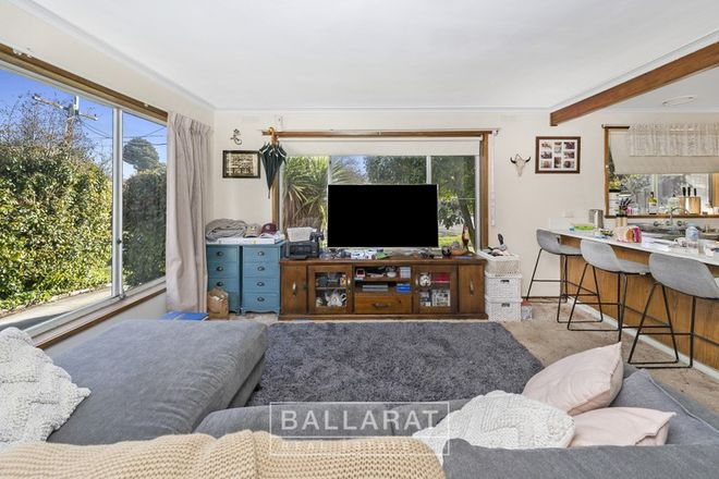 Picture of 1/430 Ligar Street, SOLDIERS HILL VIC 3350