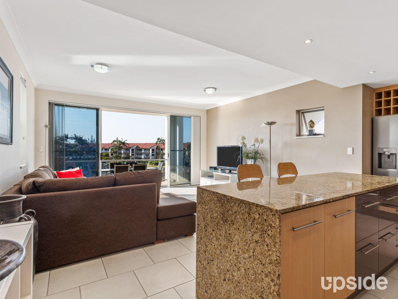 7/18 Canal Avenue, Runaway Bay QLD 4216, Image 2