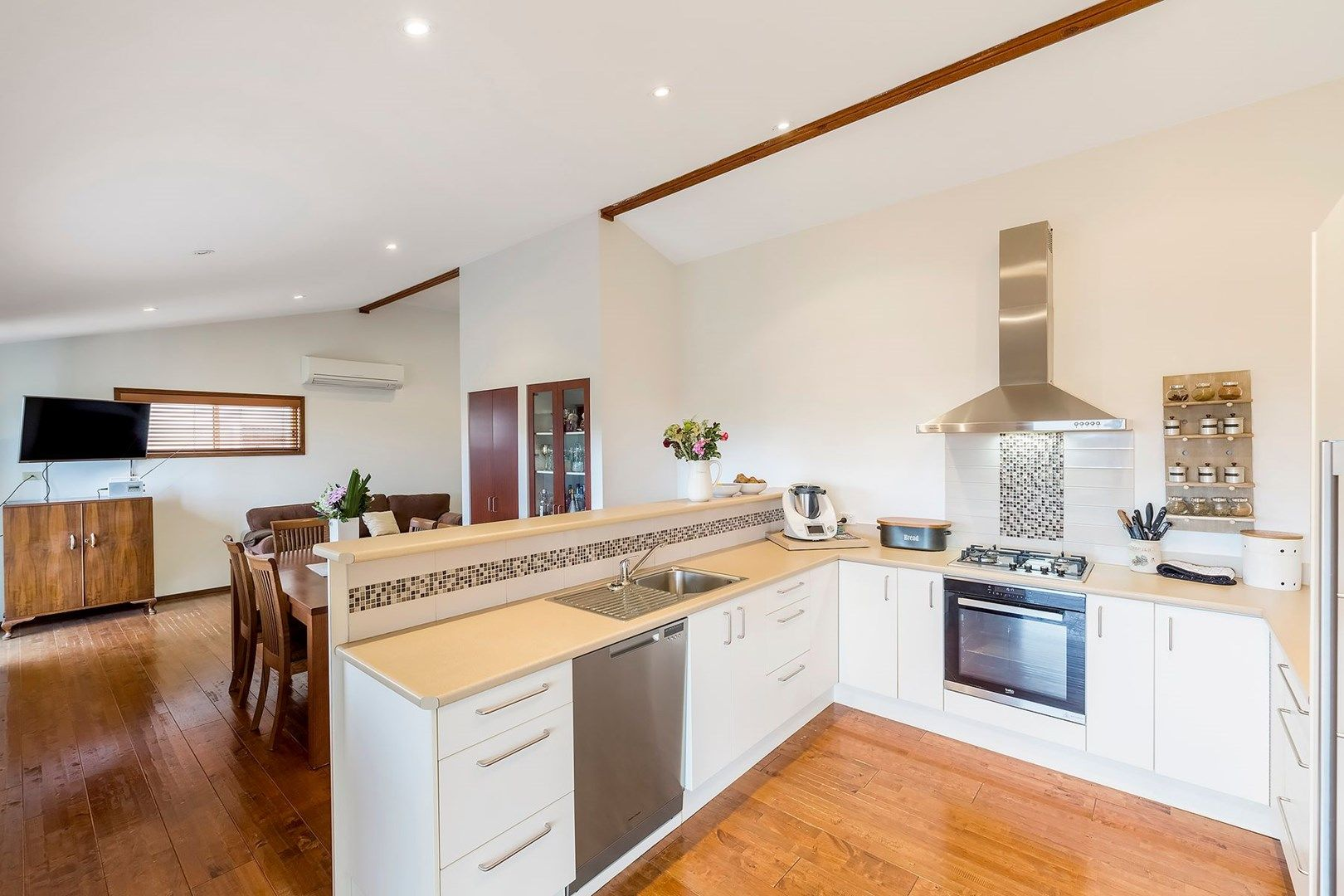 15 Hillside Drive, Berkeley Vale NSW 2261, Image 1
