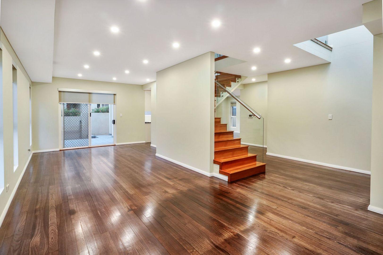 16 Cooleen Street, Blakehurst NSW 2221, Image 1