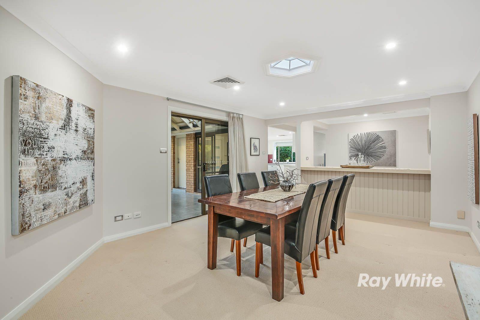 16 Chiltern Crescent, Castle Hill NSW 2154, Image 2