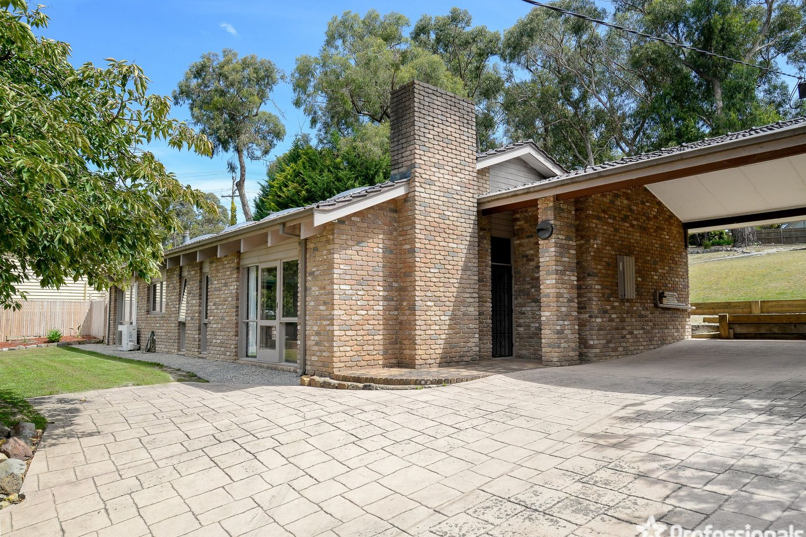 6 Braeside Drive, Launching Place VIC 3139, Image 0