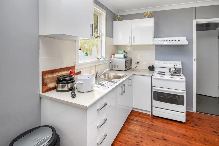 6 Margaret Street, Tenterfield NSW 2372, Image 2