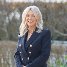 Michelle Skoglund, Sales representative