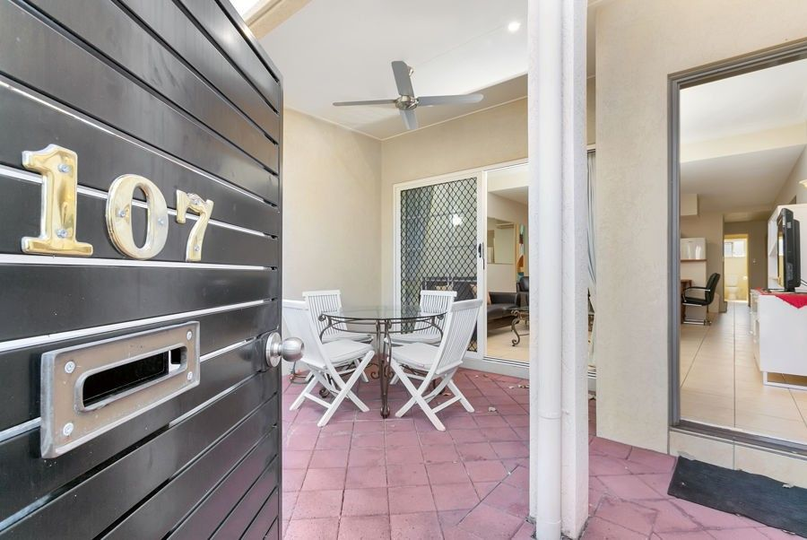 107 2 Greenslopes Street, Cairns North QLD 4870, Image 0