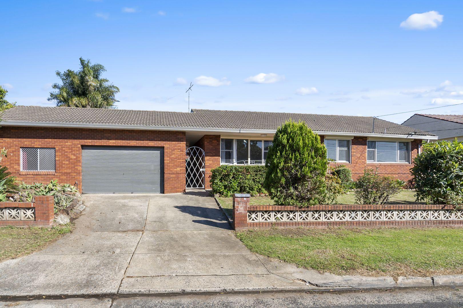 4 Cockburn Crescent, Fairfield East NSW 2165, Image 0