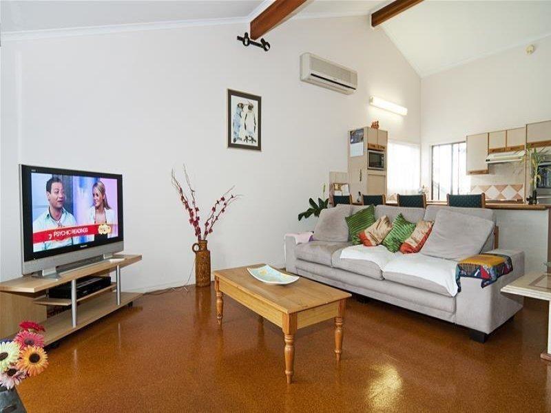 16 Cockleshell Court, Runaway Bay QLD 4216, Image 1