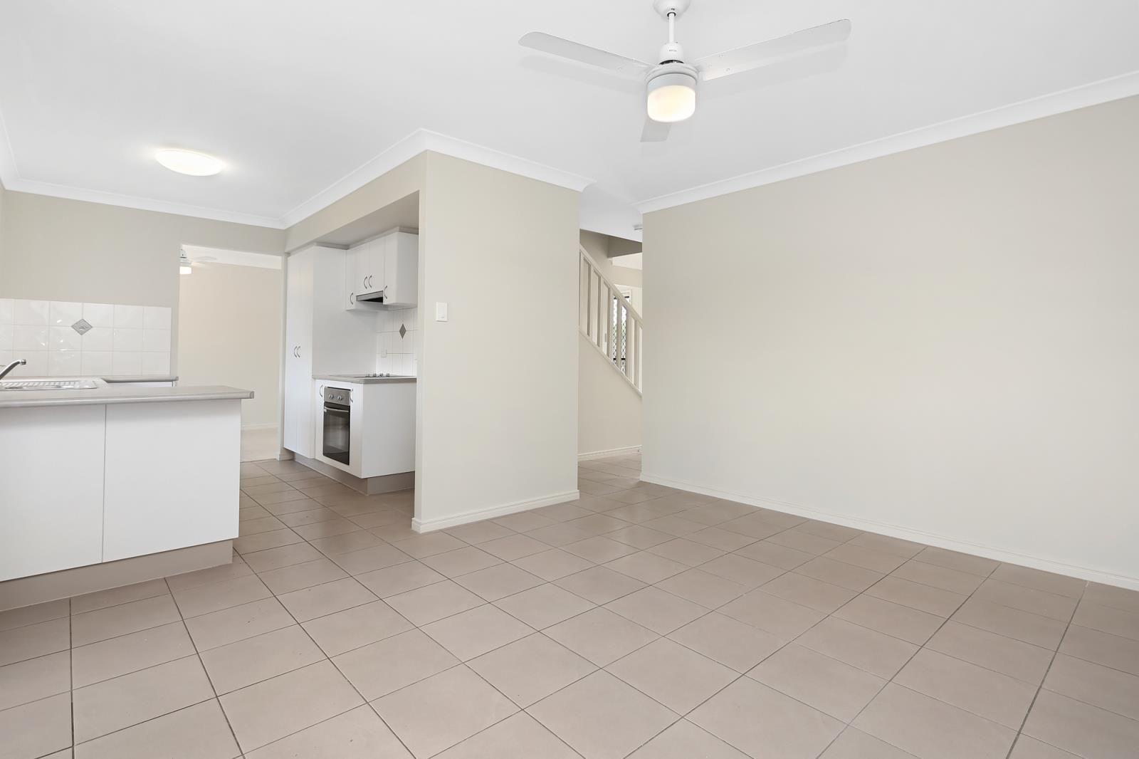 17B Golden Crest Place, Bellbowrie QLD 4070, Image 2