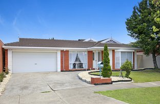 11 Wellesley Drive, Taylors Lakes VIC 3038