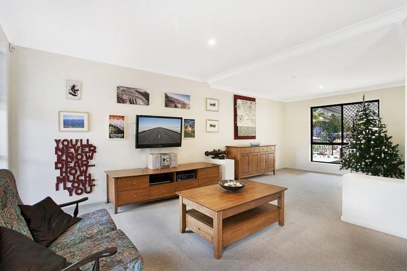 21 Windermere Avenue, Sinnamon Park QLD 4073, Image 1