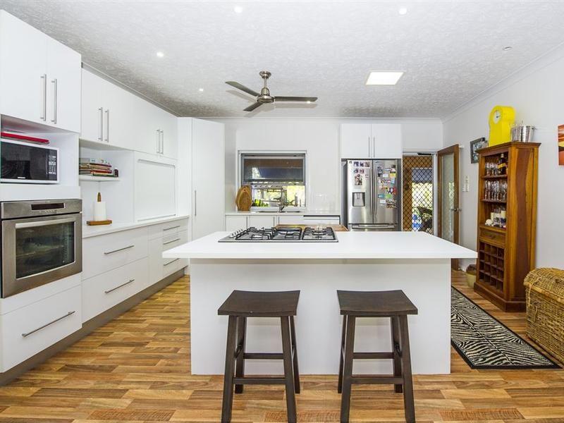 38 Corica Crescent, Horseshoe Bay QLD 4819, Image 2